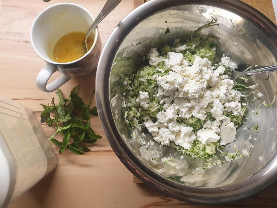 Zucchini-Schafskäse-Bällchen