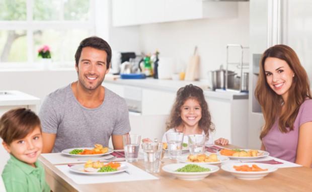 Gemeinsames Abendessen mit der Familie