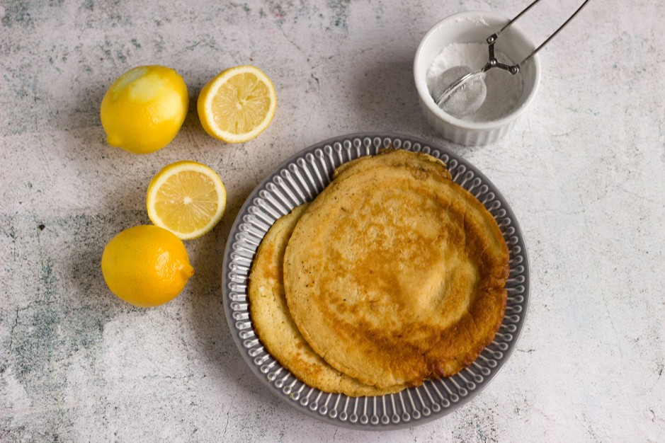 Heidelbeer-Omelettes mit Zitronencreme