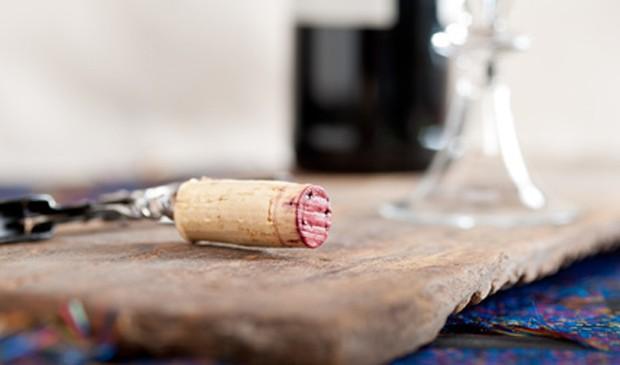 Wein entkorken