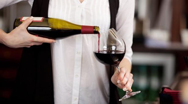 Wein dekantieren