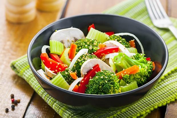 Gedünstetes Gemüse oder auch Reis in kleinen Portionen sind das perfekte Abendessen.