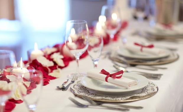 Tischdekoration für Feste und Jubiläen