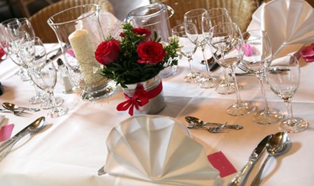 Tischdekoration silberne Hochzeit
