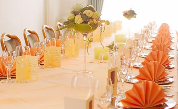 Silberne Hochzeitsdekoration