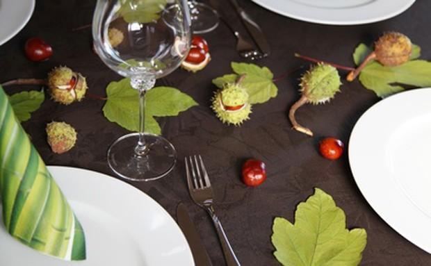 Tischdeko mit Kastanien