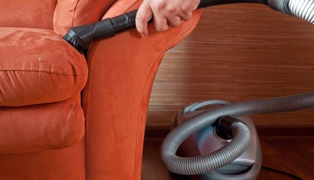 Polstermöbel richtig reinigen und pflegen