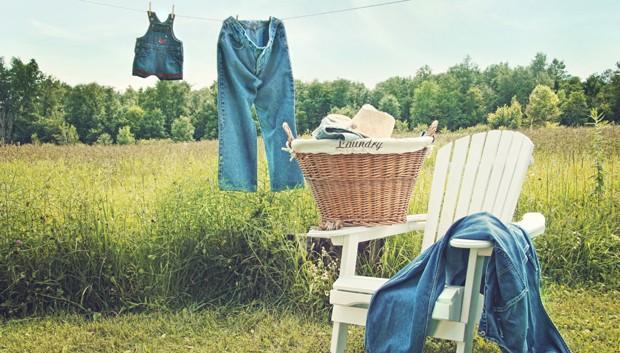 Waschen von Jeans