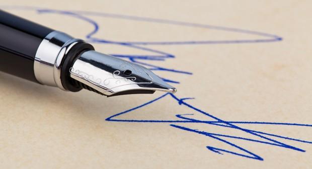 Kugelschreiber- und Tintenflecken