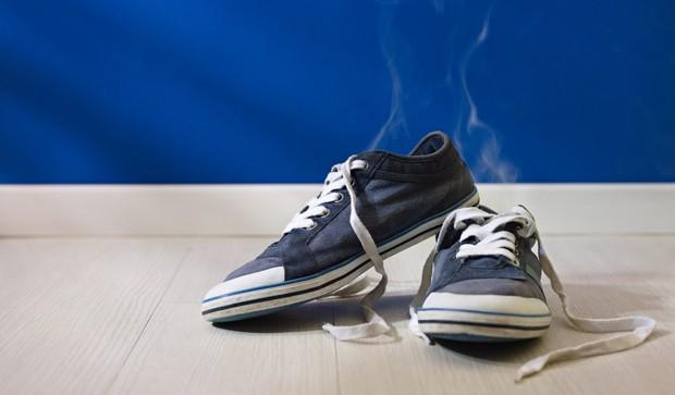 Geruch aus Schuhen vertreiben