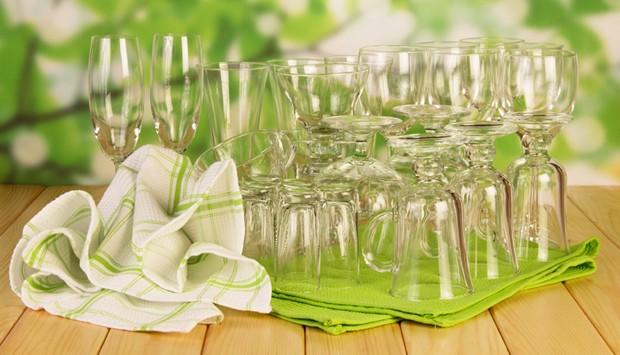 Gläser von Staub fern halten