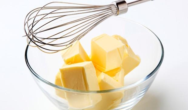 Montieren von Butter