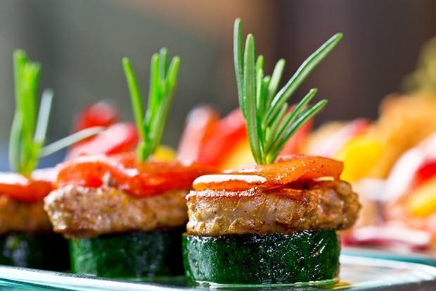 Zucchini in Kombination mit Fleisch sind ein wahrer Gaumenschmaus.