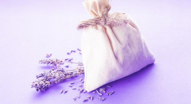 Lavendel unters Kopfkissen