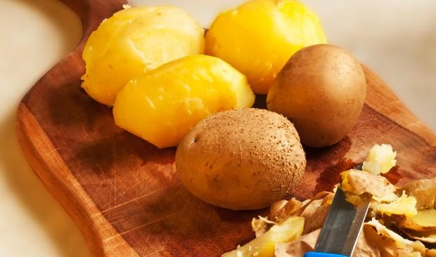 Schältrick für gekochte Kartoffeln