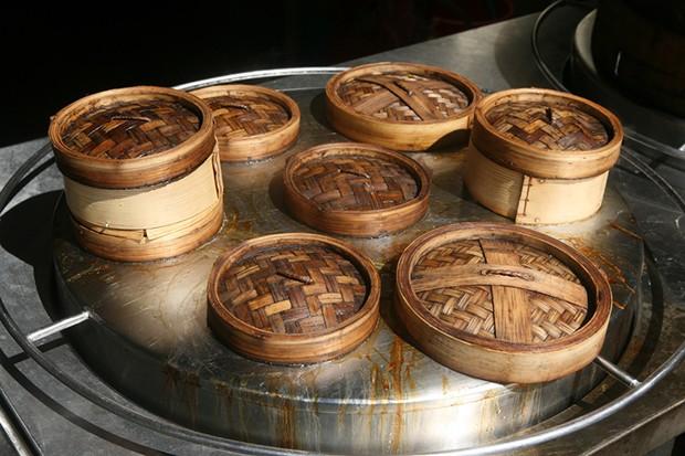 Reis kochen wie die Asiaten im Bambus Dampfgarer.