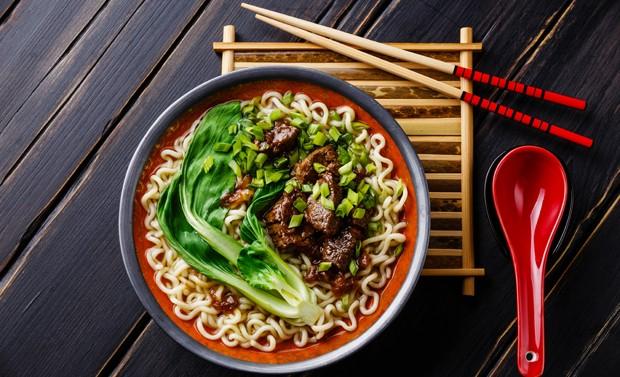 Typisches asiatisches Gericht