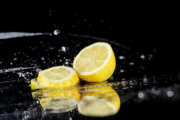 Die Zitronendiät kann man ruhig einmal ausprobieren, aber nur einer abgeschwächten Form.