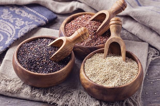roter, schwarzer und weißer Quinoa