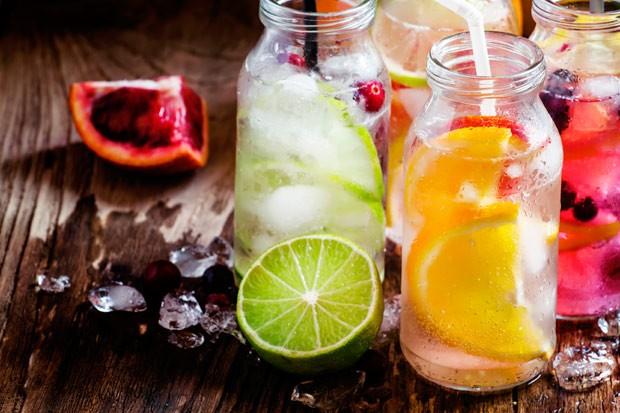 Wasser mit Lieblingsfrüchten