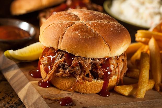 Der Klassiker schlecht hin ist auf alle Fälle ein Pulled Pork Sandwich.