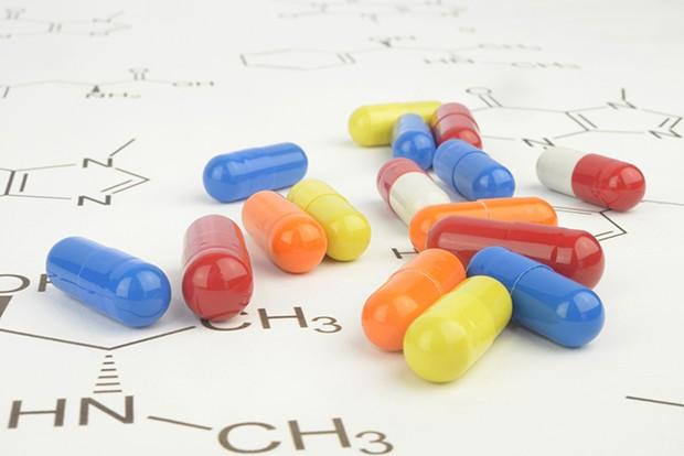 Nahrungsergänzungsmitteln sollen die Fettverbrennung fördern - das ist jedoch wissenschaftlich sehr umstritten.