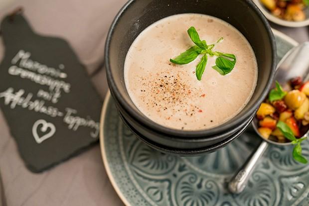Für alle Maronifreunde ist diese herzhafte Cremesuppe ein absolutes Muss im Herbst.