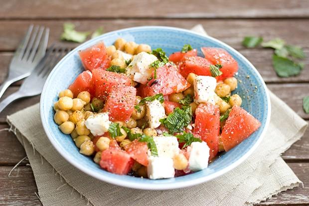 An heißen Sommertagen gibt es nichts Besseres wie einen erfrischenden Salat.