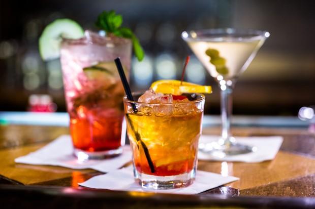 Bunte Cocktails für zuhause