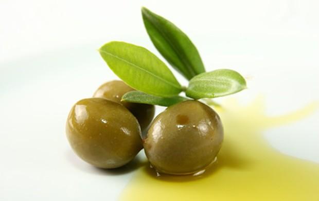 Olivenöl aus Oliven