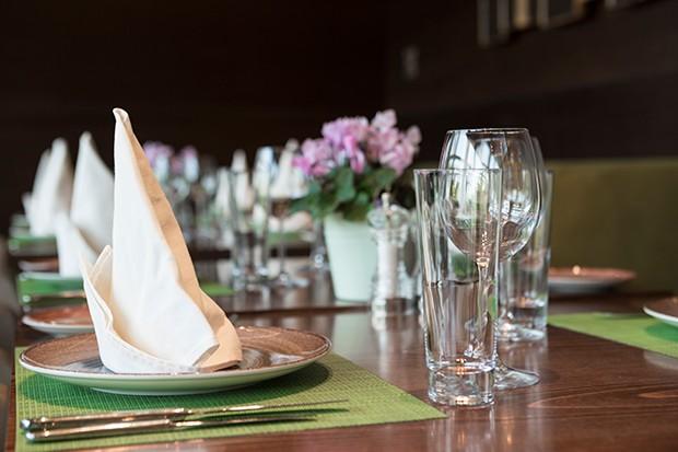 reservierter Tisch im Restaurant