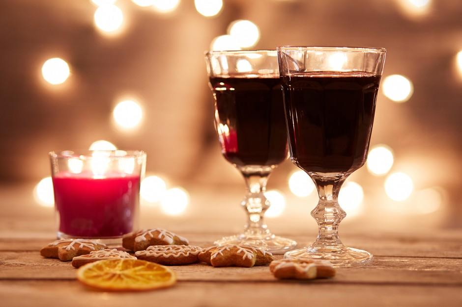 Rotwein und Lebkuchen