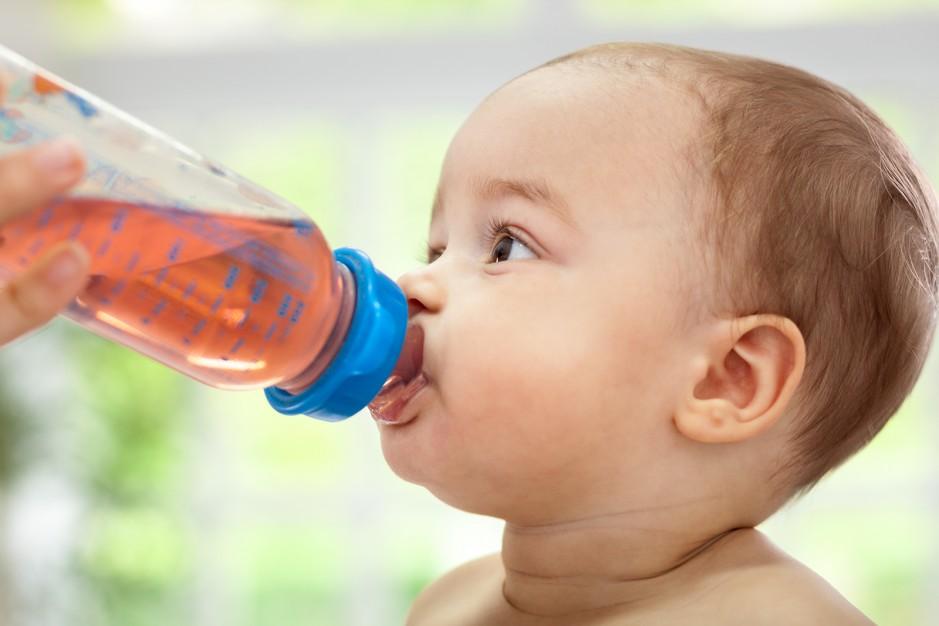Wie viel darf mein Baby trinken? | GuteKueche.at