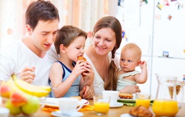 Frühstücken mit der ganzen Familie