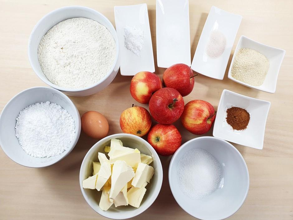 Zutaten gedeckter Apfelkuchen