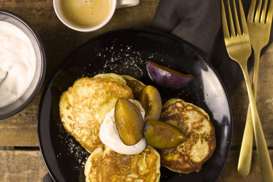 Topfen-Pancakes mit Zimtcreme