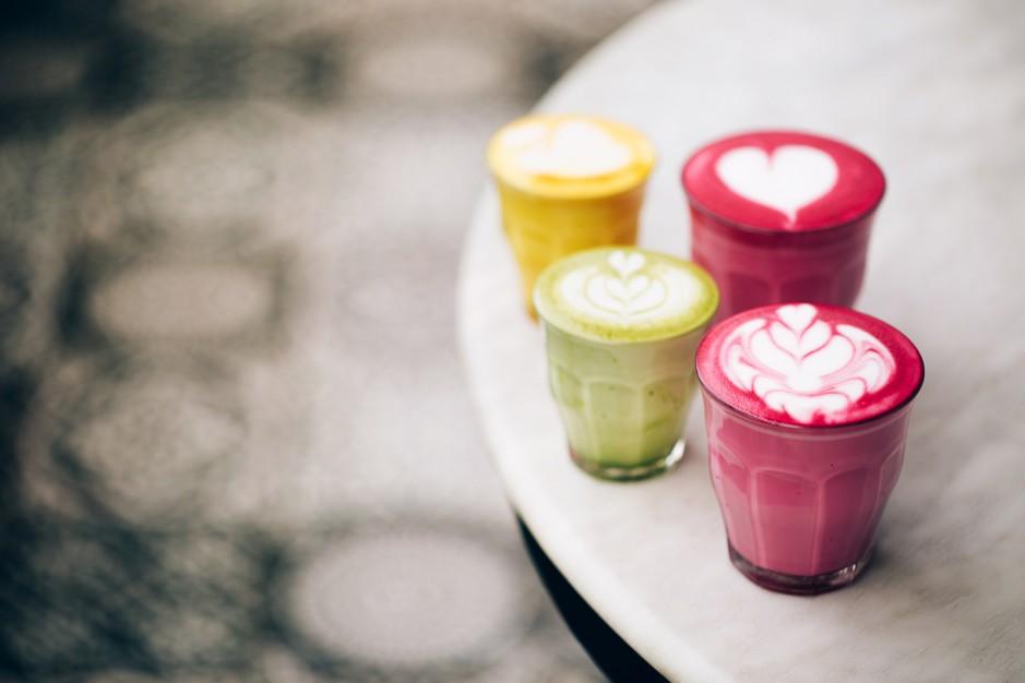 Trendige Latte Getränke