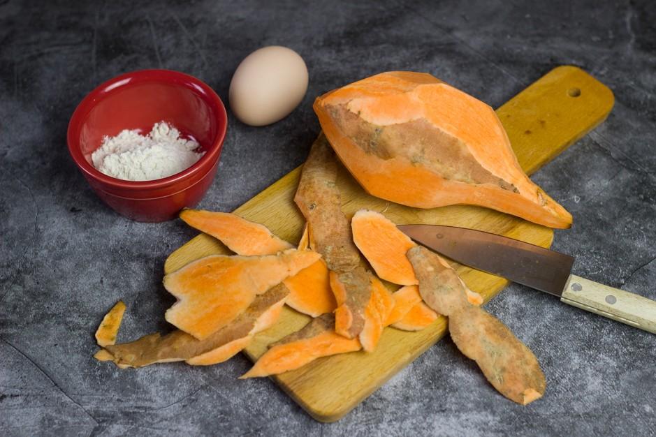 Süßkartoffelpuffer mit Senfdip