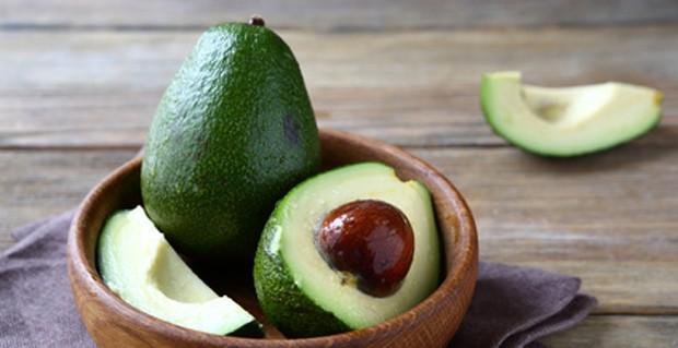 Avocado angeschnitten