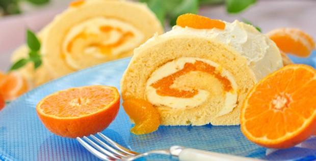 Mandarinenrolle mit Puddingcreme