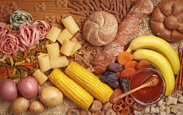 Kohlehydrathaltige Lebensmittel müssen beim Essen strikt von proteinhaltigen Lebensmitteln getrennt werden.