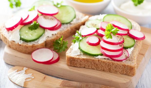 Radieschen auf Brot