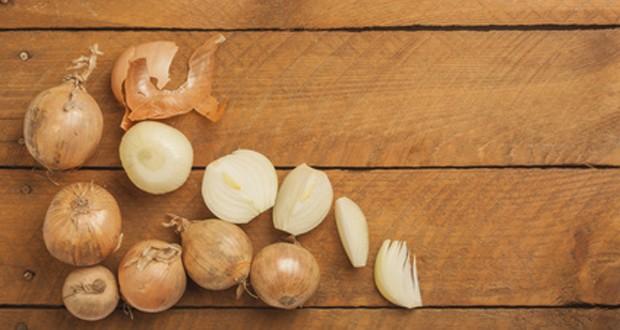 Zwiebel aufgeschnitten
