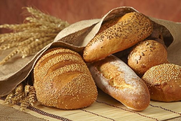 Auf helles Brot sollte bei dieser Diät verzichtet werden, da es schlechte Kohlenhydrate enthalten soll.