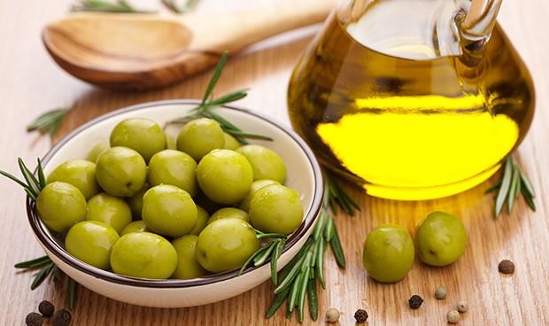 Olivenöl ist ein wichtiger Bestandteil - doch für uns Mitteleuropäer ist hier Vorsicht geboten.