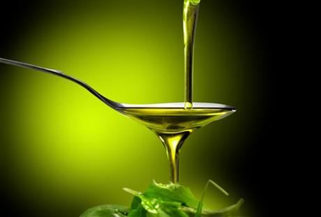 koestlich-und-verfuehrerisch-der-saft-gruener-oliven.jpg