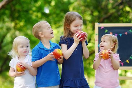 gesunde-ernaehrung-fuer-kindergarten-kinder.jpg