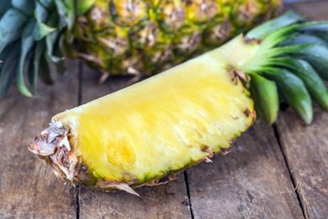 wie-isst-man-eine-ananas.jpg