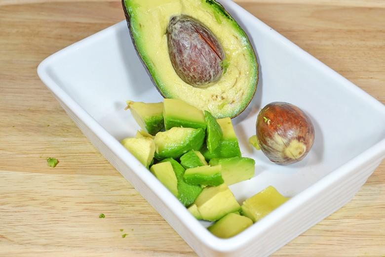 avocados-schneiden-zerteilen.jpg