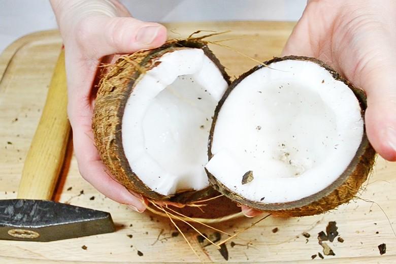 kokosnuss-oeffnen.jpg